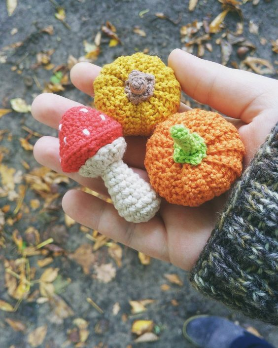 Halloween Crochet Pumkins - crocheted by wollbande after a pattern by POLARIPOP