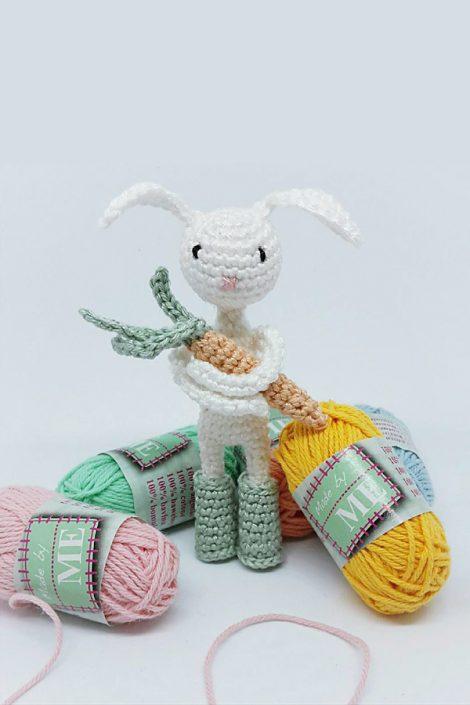 Clara loves carrots - crocheted by Wiebke Bo war schon vergeben after a pattern by Polaripop